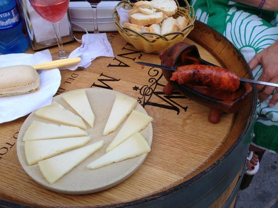 Los Barriles : Tasty sausage and manchego