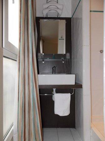 Hotel Amarys Simart : lavatorio