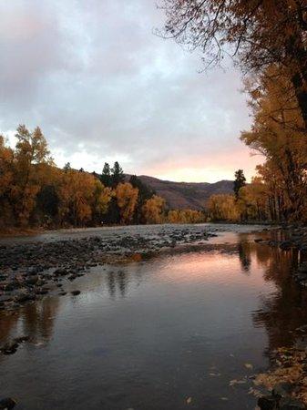 Durango Riverside Resort: sunset
