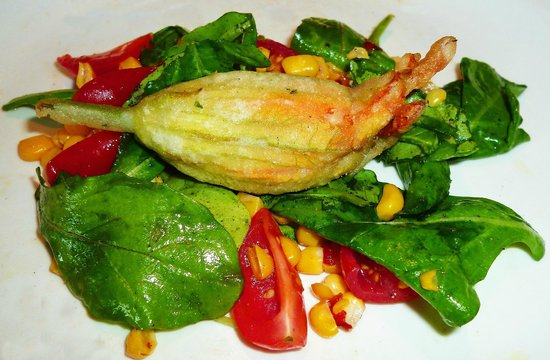 Magnone Trattoria & Market: Fried stuffed Zucchini Flower