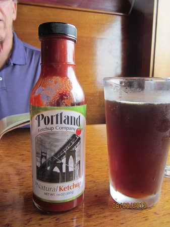 The Drift Inn: Yummy Portland ketchup & a Hazelnut Rogue