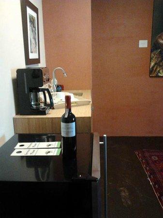 Inn at The Black Olive : Kitchenette
