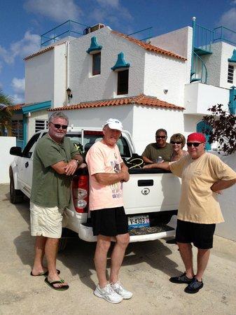 Hamlet Oasis Resort : Landside/parking