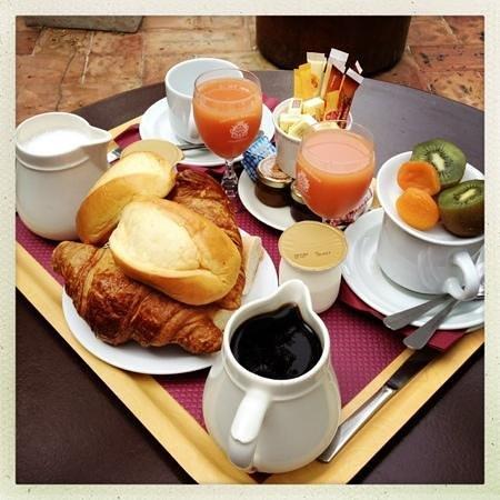 L'Horizon Hotel : Breakfast!