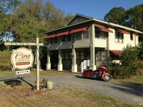Nature Coast Inn: The Lodge