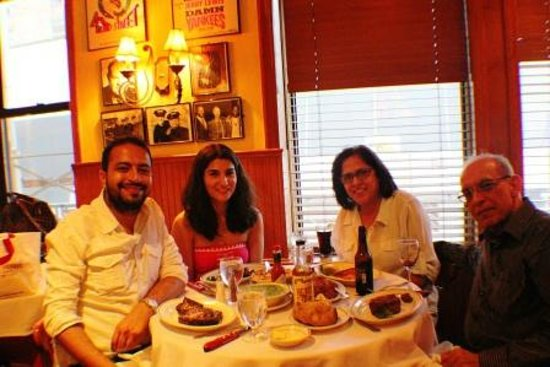 Frankie & Johnnie's Steakhouse : family meal