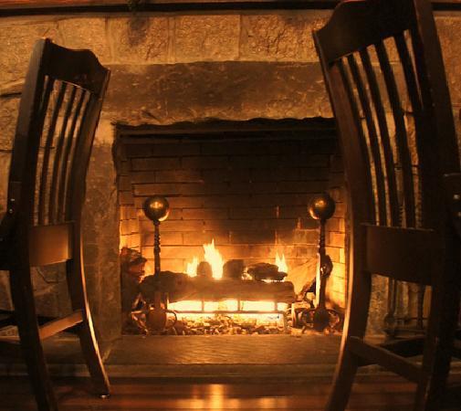 Prospect Tavern Beef & Ale: Backwall Stone Fireplace