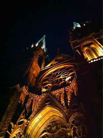 Cathédrale Notre-Dame-de-l'Assomption : Cathédrale la nuit
