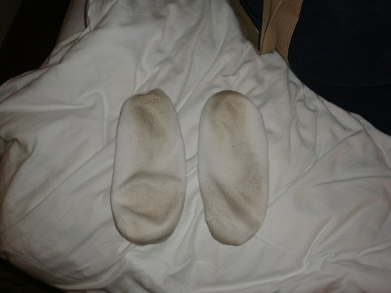 Holiday Inn Express Boonville: Did NOT pass my white sock test