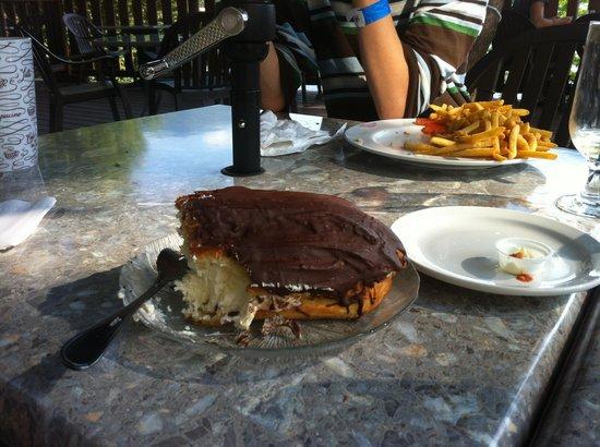 Caffe Lago Restorante Italiano : To die for eclair:)