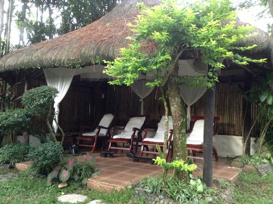 Nurture Wellness Village: outdoor massage area