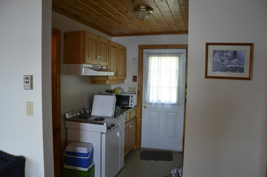 Port Cunnington Lodge & Resort: Small Kitchen