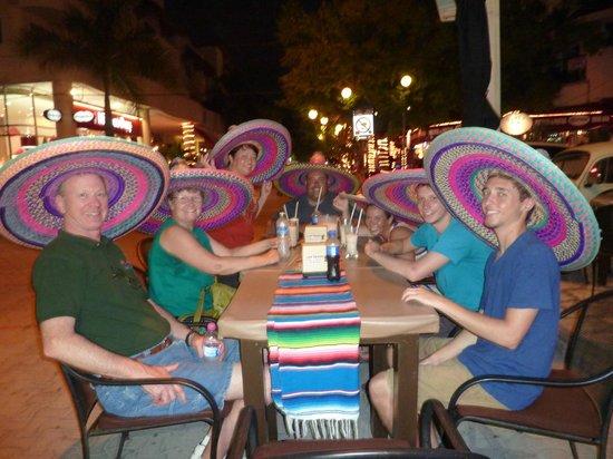 Los Tacos Bar n' Grill : on 5th