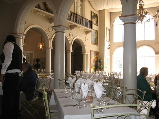 Grand Island Mansion: Inside Ballroom or dining room, they couldn't even tell