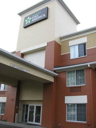 Extended Stay America - Cleveland - Airport - North Olmsted: Entrance