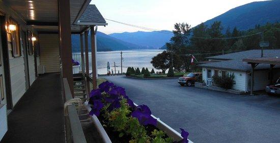 Kokanee Glacier Resort: looking out from the front door