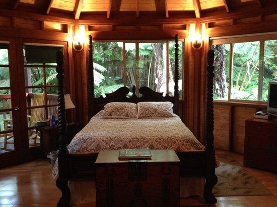 Volcano Village Lodge : Room