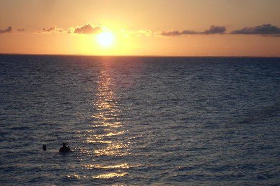 Melia Cozumel Golf - All Inclusive: Sunset