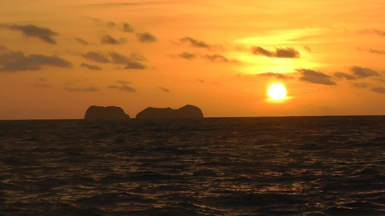 Serendipity Charters-Sailing Costa Rica: sunset to end the day