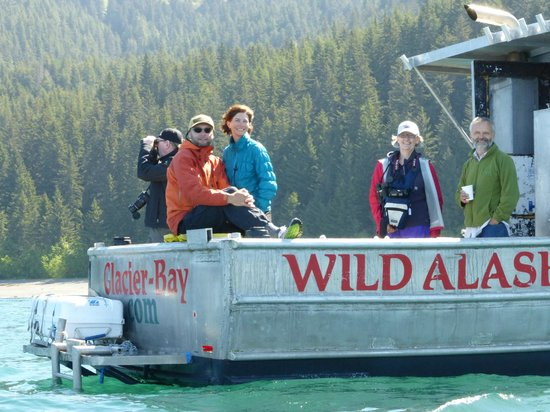 Wild Alaska Inn at Glacier Bay: Wild Alaska Whale watching tour