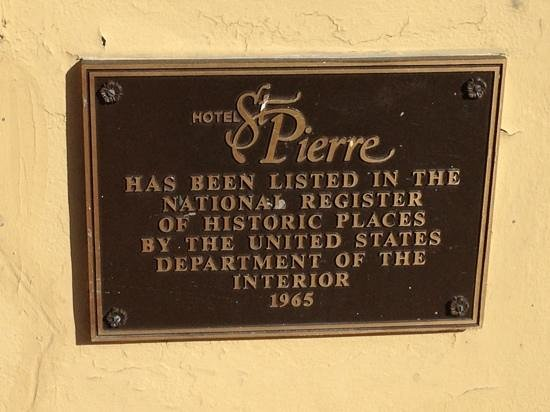 Hotel St. Pierre: plaque