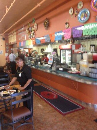 El Burrito Mercado: Cafeteria line