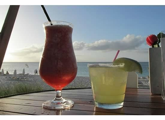 The Deck at Seven Stars Resort: Drinks at The Deck