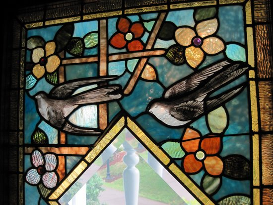 Deepwood Museum & Gardens: Gorgeous Stained glass windows