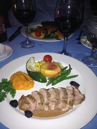 Inn at Phillip's Mill Restaurant: Pork loin with figs and mushroom sauce