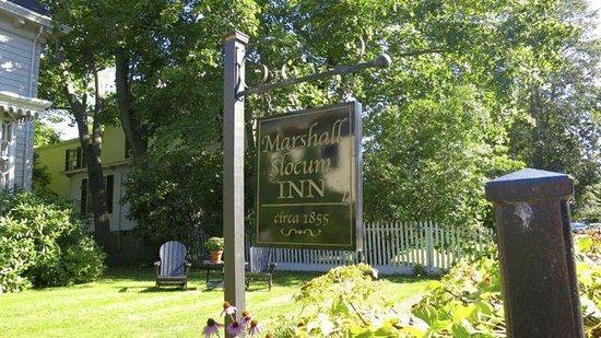 Marshall Slocum Inn: Front Entrance