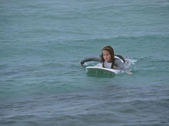Surf 787 Guest Villa: Paddle,paddle!