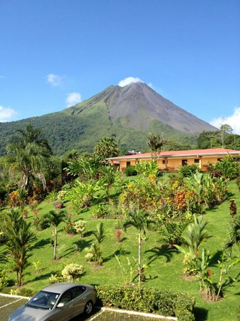 Los Lagos Hotel Spa & Resort: Volcan Arenal Seen from Our Room