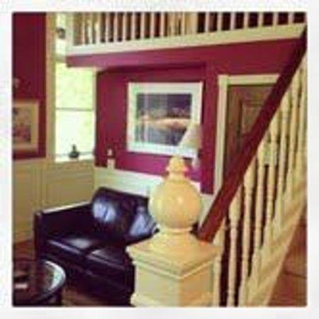 BranCliff Inn: Cranberry Loft Room
