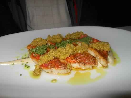 Maricel: salmon sellado con salsa de vegetales