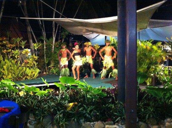 Gecko's Restaurant : dance show