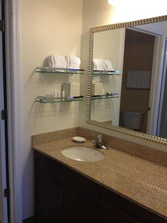 Residence Inn Poughkeepsie: Bathroom area in King Studio Room