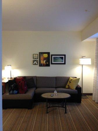 Residence Inn Poughkeepsie: Sitting area in King Studio Room