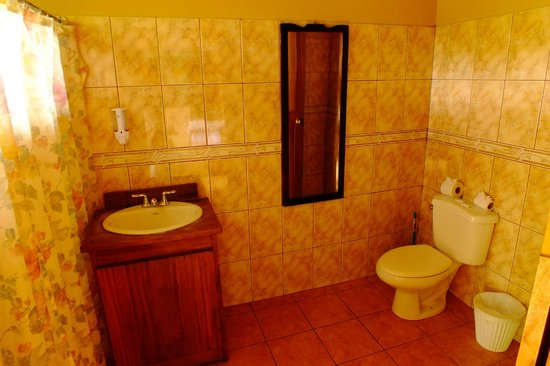 Quetzal Inn: rooms with bathroom