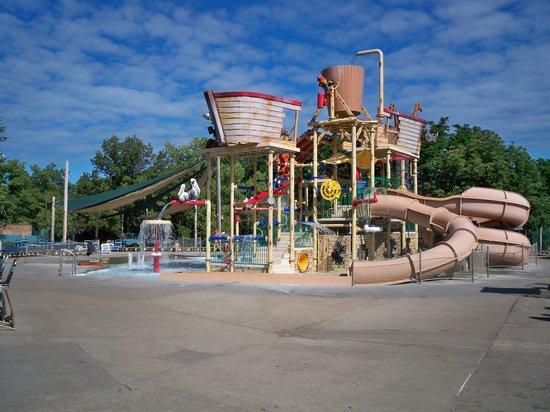Noah's Ark Water Park: Kid play area
