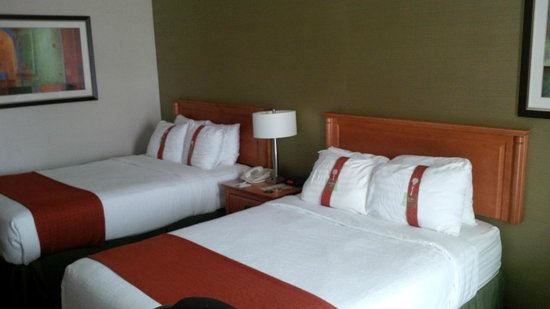 Holiday Inn Sarnia Hotel & Conf Center: My Room