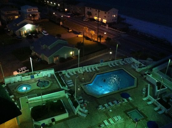 Surfside Resort: Pool at night