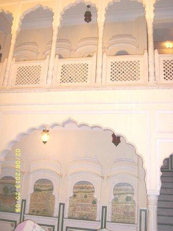Shahpura House: PATIO INTERIOR