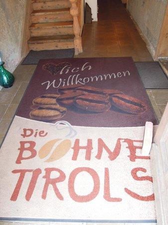 Die Bohne Tirols: The entrance mat