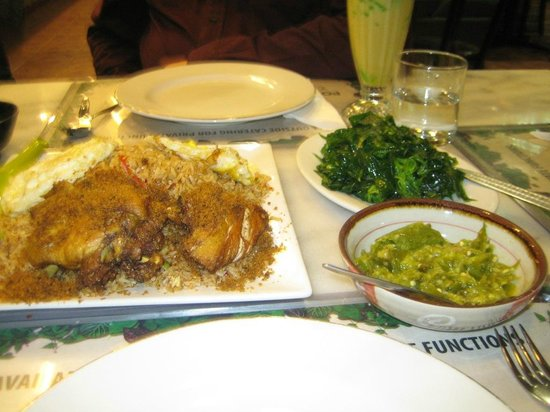 Pondok Sari Wangi: Grilled Chicken with Green Chilis Dips at the side