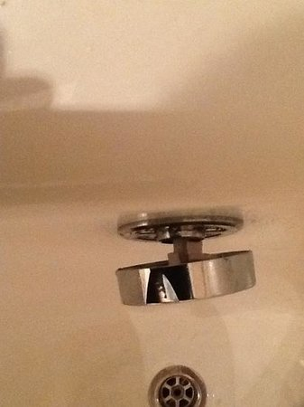 "Skanes Family Resort: ""repaired"" bath plug assembly!"