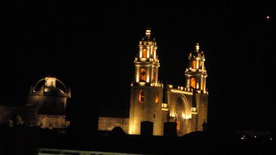 Hotel Colonial : La catedral desde la terraza