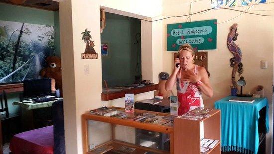 Hotel Kangaroo: Recepción - Francesca