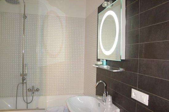 Deko Rome: Bathroom