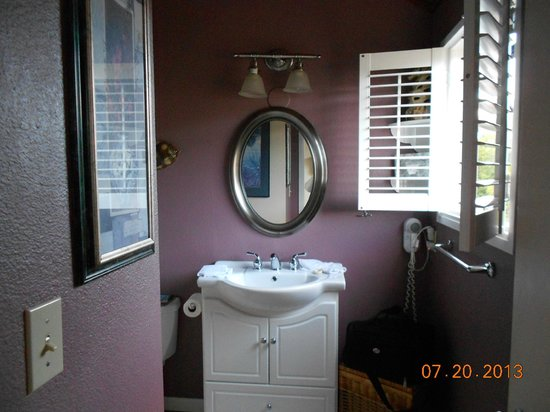 Embarcadero Resort Hotel : Bathroom