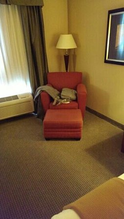 Holiday Inn Express Hotel & Suites Poteau: sitting area